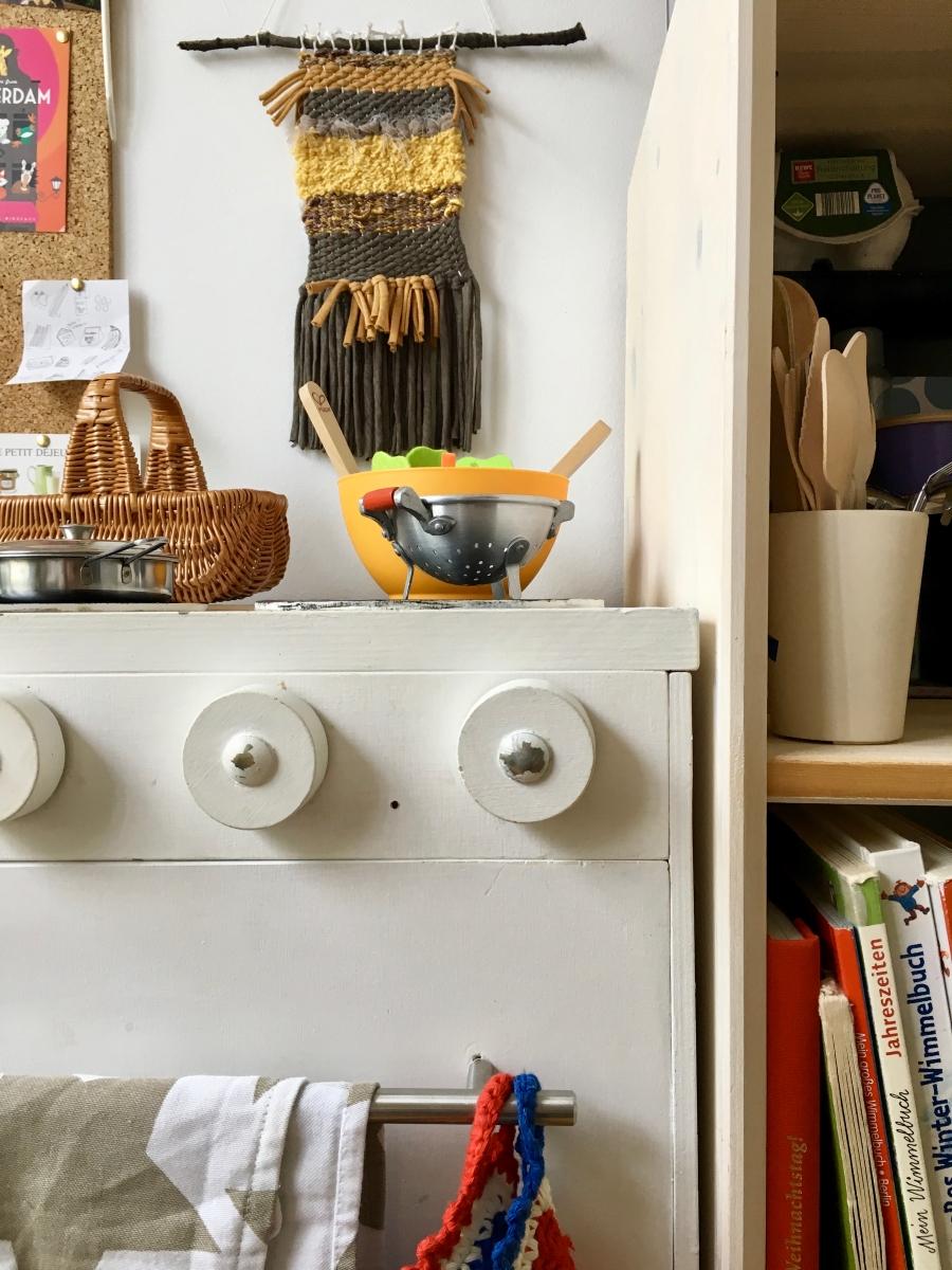 Kitchenstories – von Pappe und altem Holz fürs Kinderzimmer